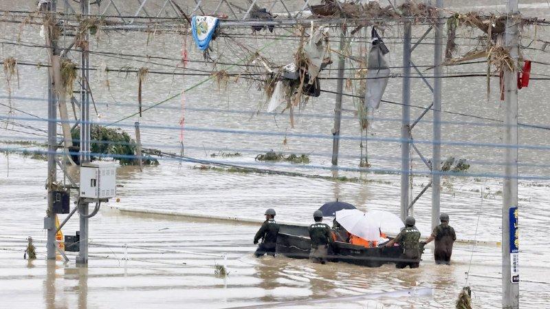 Japon: des pluies diluviennes font plus de 30 morts