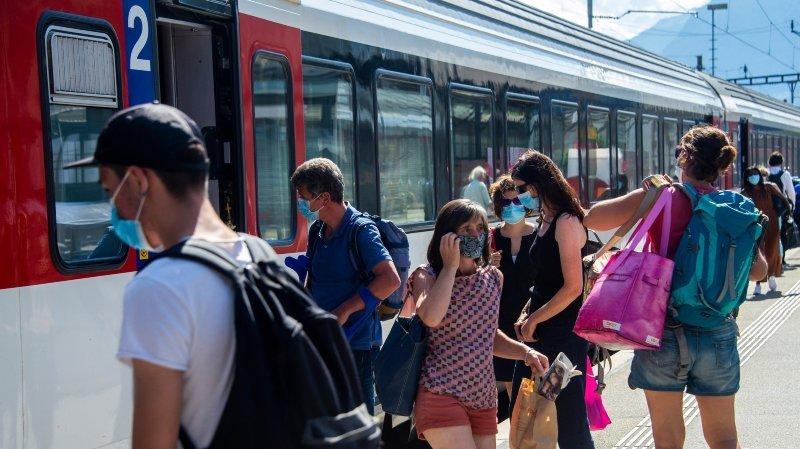 Tous masqués! Des passagers disciplinés dans les transports publics valaisans