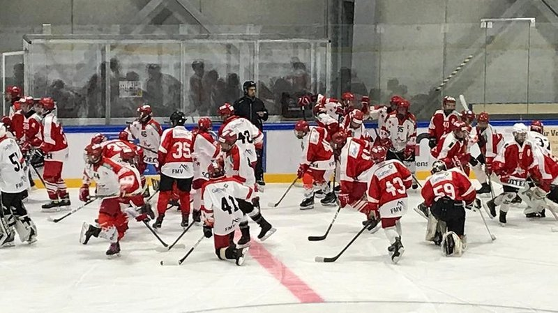 Hockey: les juniors U17, en Valais, couchent sur leurs positions