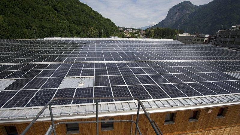 L'entreprise valaisanne profite du succès grandissant des installations photovoltaïques.
