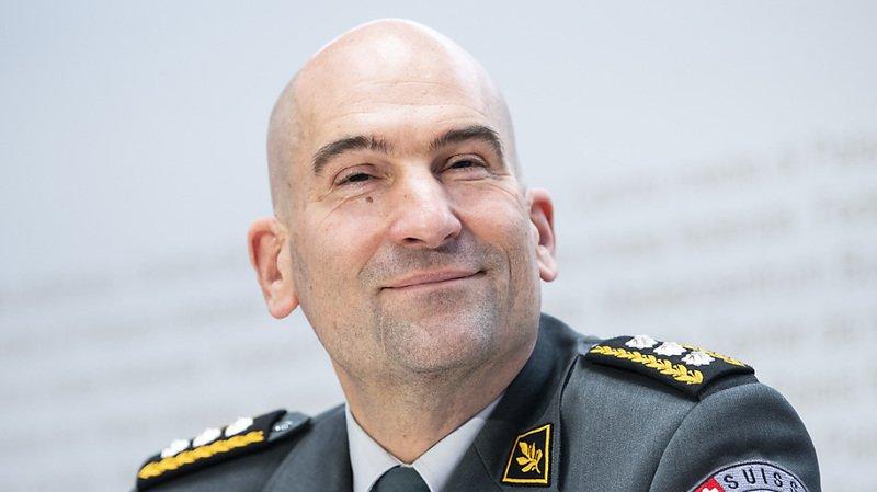 Armée: le chef veut augmenter la part des femmes