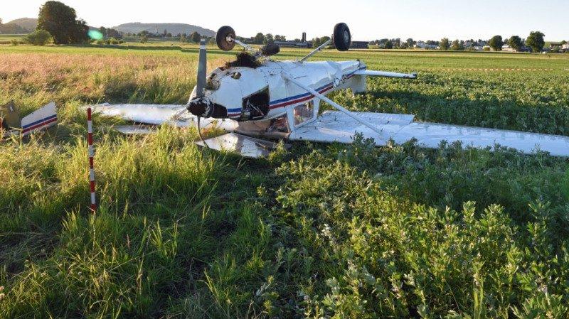 Un Cessna a fini sur le dos vendredi dans un champ près de l'aérodrome de Neudorf (LU).