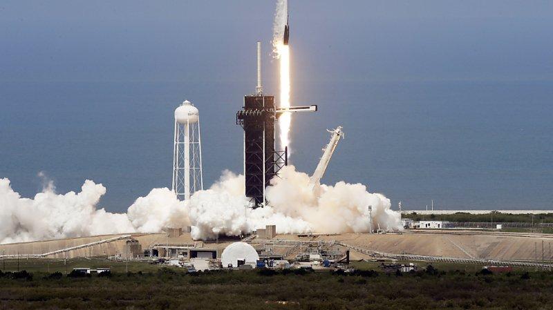 Espace: décollage historique d'une fusée SpaceX avec deux astronautes