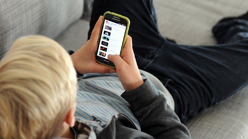 Le smartphone est indissociable du quotidien de la plupart des jeunes de nos jours (Photo prétexte).