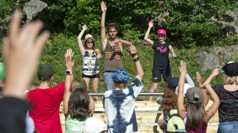 Coronavirus: les jeunes auront leurs vacances cet été