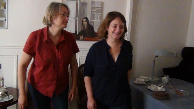 La comédienne Raphaëlle Spagnoli (à droite) a retrouvé la caméra d'Anne Theurillat dans «Gestation» projeté dès le 18 juin à Martigny.