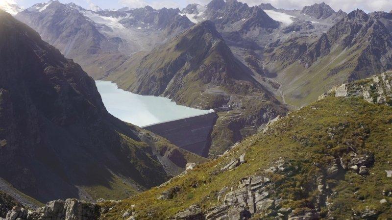 L'idée de Gaznat est de creuser des cavernes sous les Alpes capables de stocker l'équivalent de l'énergie accumulée par le barrage de la Grande Dixence.