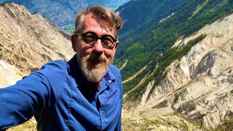 Le selfie d'un journaliste scientifique heureux à l'Illgraben.