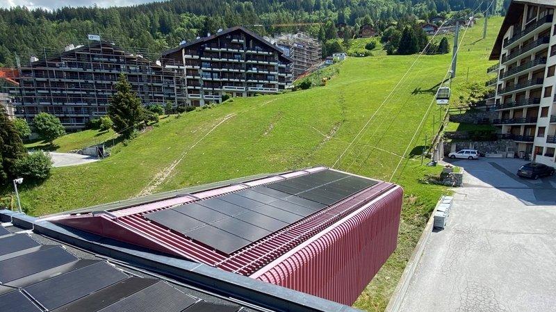 La gare de départ de Tracouet a été couverte de panneaux solaires.