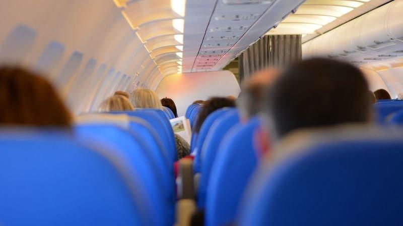 Le port du masque dans l'avion dépend des compagnies aériennes.