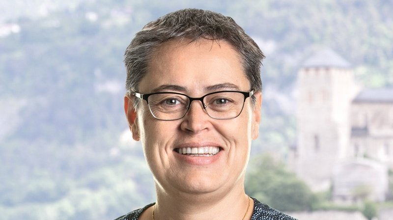 Sonia Métrailler est économiste d'entreprise et conseillère financière avec brevet fédéral.