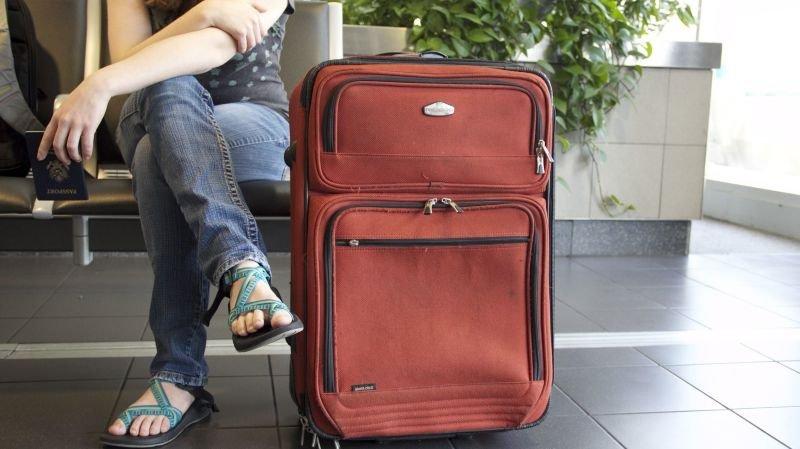 Les compagnies d'aviation et d'autocars devront refuser d'embarquer les voyageurs malades. (illustration)