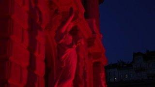 Culture: théâtres, opéras et salles de concerts se sont parés de rouge dans toute la Suisse
