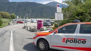 Martigny: les gens du voyage escortés à la douane pour être auditionnés, la justice va s'emparer de l'affaire