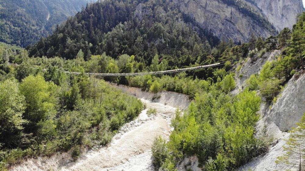 Le pont bhoutanais au-dessus de l'Illgraben.