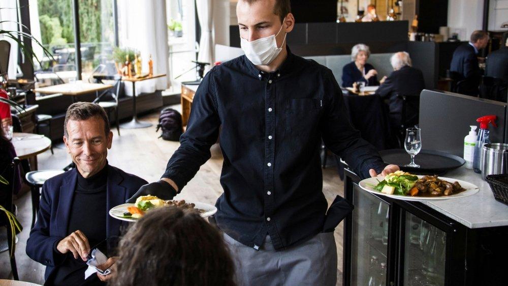 Si la population continue de suivre les consignes sanitaires des autorités–comme le port du masque quand il le faut ou les distances sociales–, celles-ci pourront lutter avec des mesures bien plus ciblées en cas de deuxième vague de coronavirus.