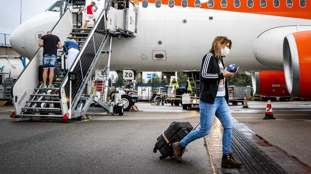 La demande de vols vers les destinations touristiques commence à revenir, au contraire de celle des vols d'affaires. Les compagnies low-cost s'en sortent un peu mieux que les autres.