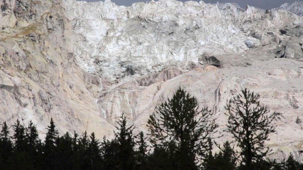 A cause du chaud, un glacier menace de s'effondrer