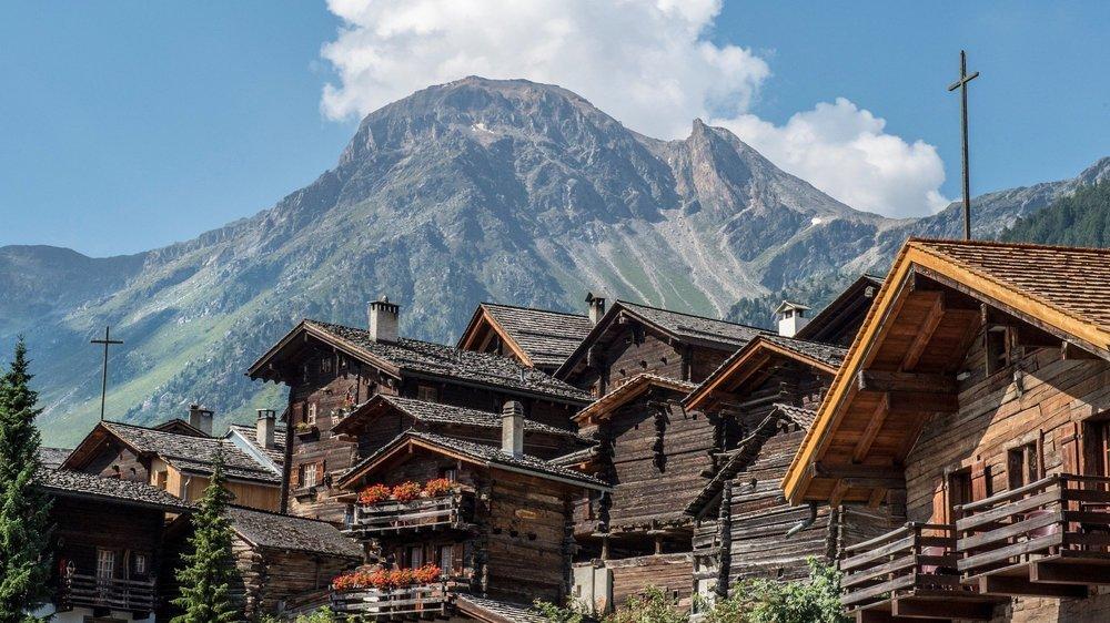 Les Suisses viennent découvrir certaines régions du Valais cette année et effectuent souvent de longs séjours.