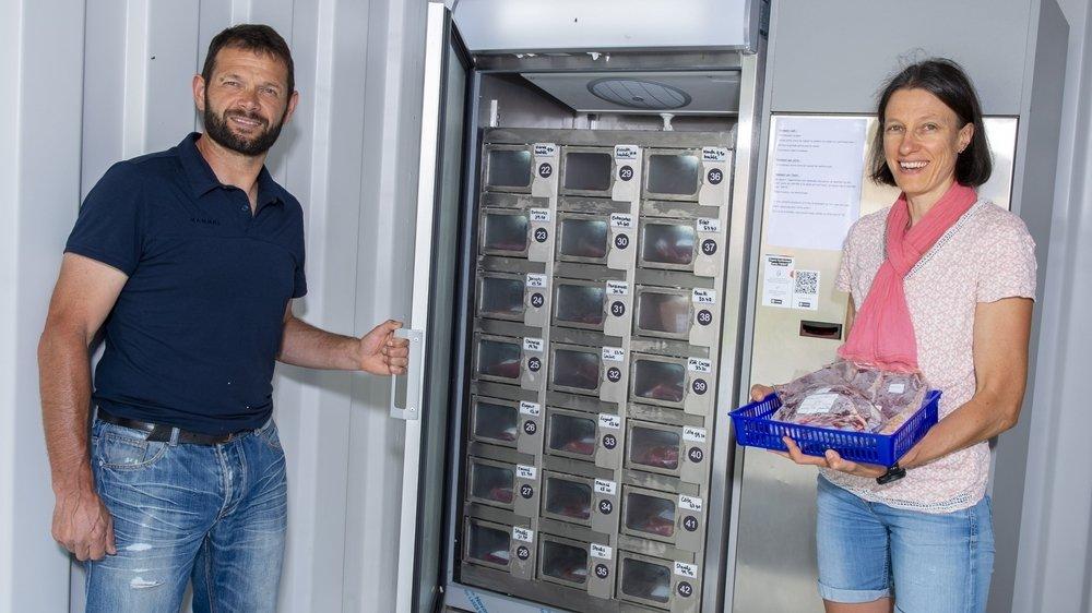 Daniel et Marie-Pierre Ballay proposent leur viande bio dans ce distributeur.