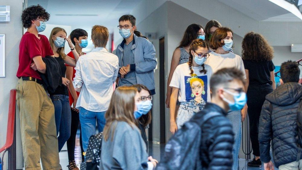 Tous les collégiens étaient masqués à Saint-Maurice.