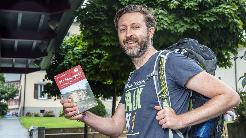 Luca Bruschi, directeur de l'association européenne des chemins de la Via Francigena, traverse actuellement le Valais sur les pas de l'archevêque de Canterbury.