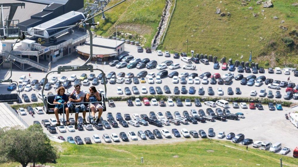 Difficile de trouver une place à Siviez, ce samedi de premier août.