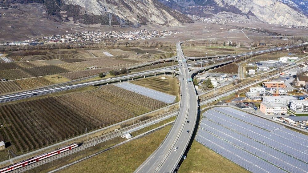 D'ici la fin de l'année 2021, la durée de vie du viaduc de Riddes, qui pourra de nouveau accueillir le trafic 40 tonnes, va être prolongée de 10 à 15 ans.