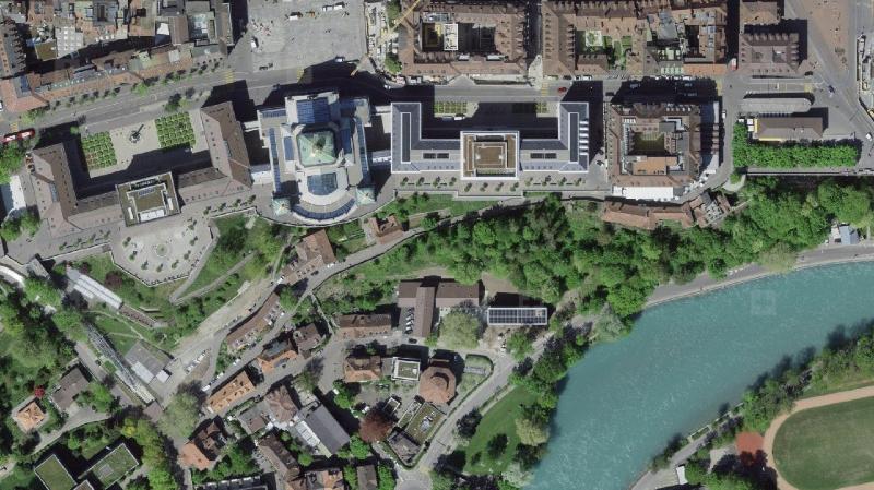 Depuis 2017, swisstopo survole la Suisse avec une nouvelle caméra apportant des images aériennes très précises et détaillées.