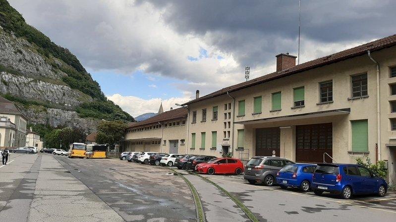 La place de la gare de Saint-Maurice compte des espaces stratégiques au sein de la commune.
