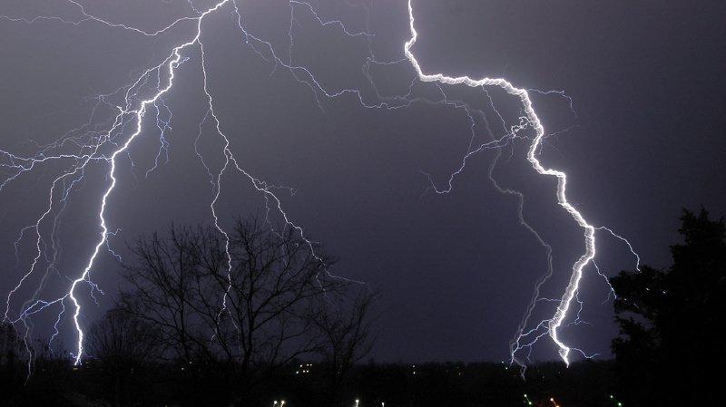 Un violent orage a balayé le canton de Genève: une partie du trafic interrompu et le n°118 en panne