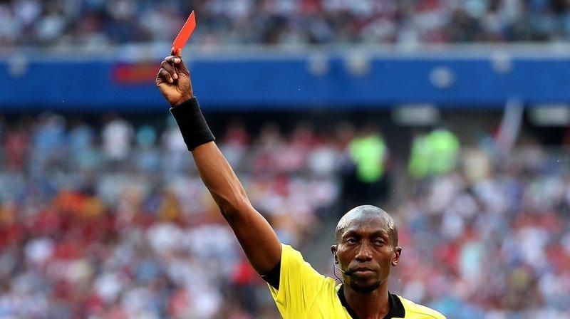 Tousser volontairement pourra être sanctionné d'un carton rouge — Règlement
