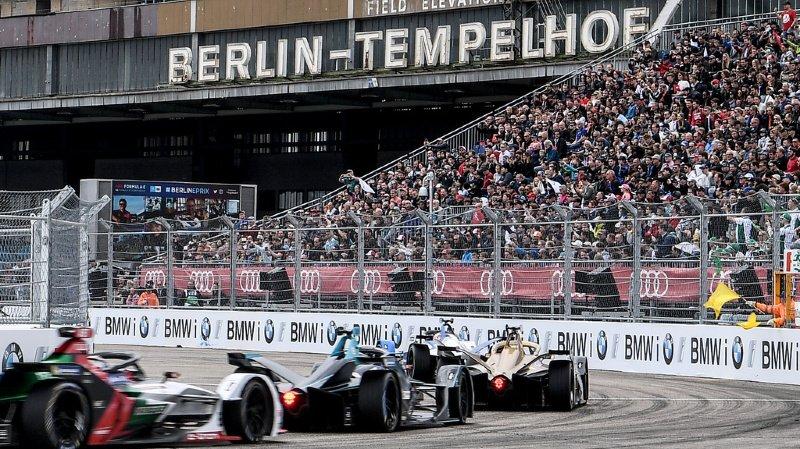 L'ancien aéroport de Berlin Tempelhof sert désormais de circuit aux machines de la Formule E, ce qui offre un cadre très particulier, comme ici en 2019.