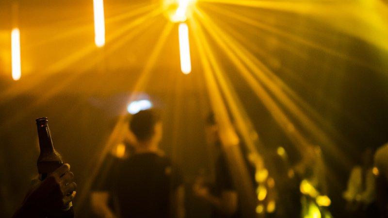 Coronavirus: traçage renforcé et affluence limitée dans les bars et discothèques valaisans