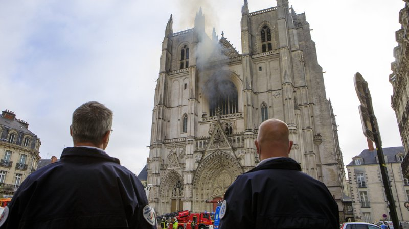 Le grand orgue de la cathédrale a été détruit dans l'incendie.