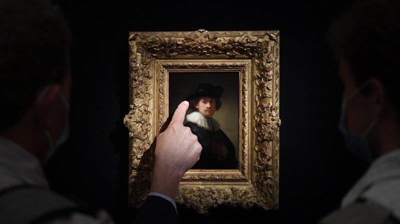 Cette vente détrône un précédent record de 6,9 millions de livres pour un autre autoportrait de l'artiste vendu en 2003.