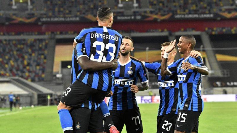 Les joueurs de l'Inter célèbrent le premier but contre Leverkusen.