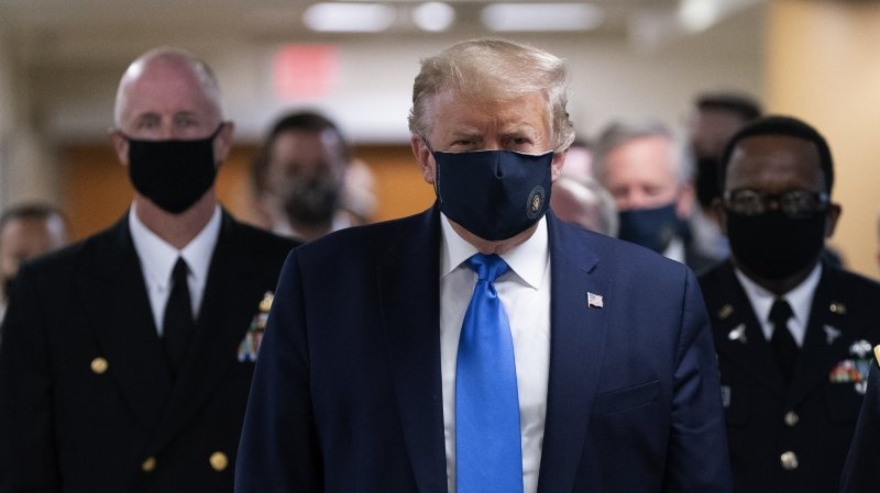 L'Europe ne baisse pas la garde, Trump se masque