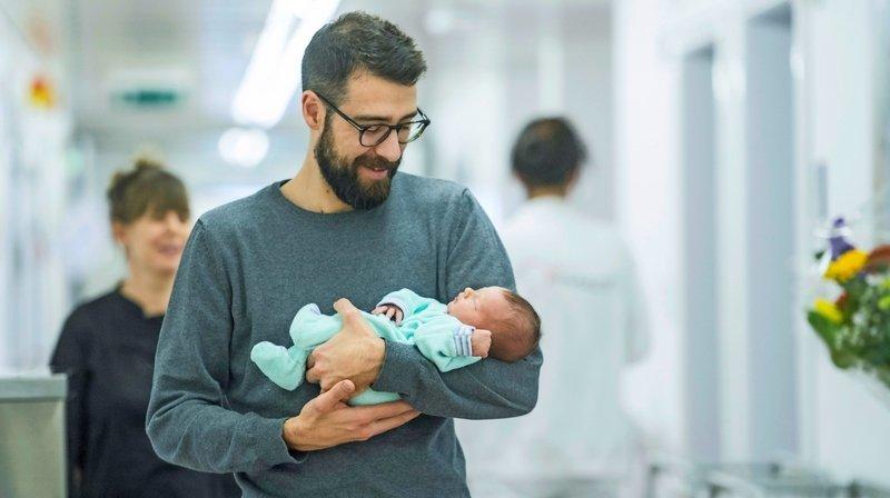 Votations fédérales: le congé paternité a plus d'adeptes du côté des Romands
