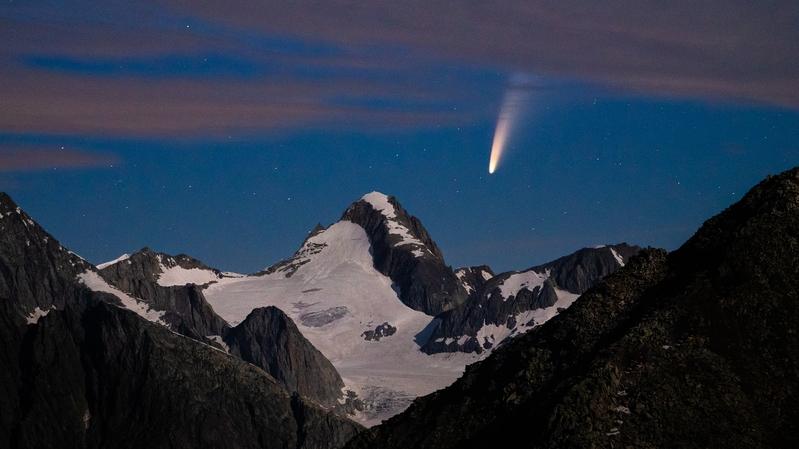 Lionel Favre a immortalisé la comète Neowise dans la nuit du 09 juillet.