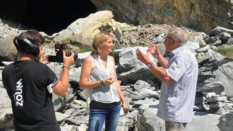 L'équipe de la Rai 3 Vallée d'Aoste, emmenée par Jeannette Bondaz, a interviewé ce jeudi Henri Thurre sur le site des anciennes carrières de marbre de Saillon.