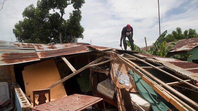 L'ouragan Isaias a fait de nombreux dégâts sur son passage, notamment à Hato Mayor, en République dominicaine.