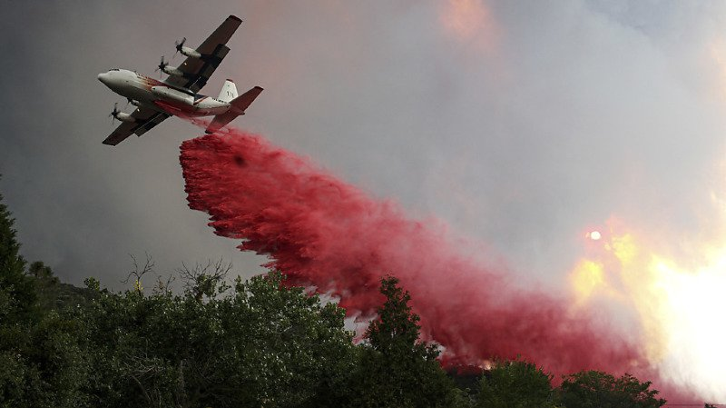 Le feu a pris en début d'après-midi aux environs du lac Hughes.
