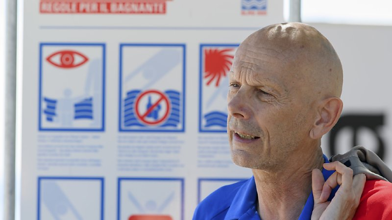Après le Covid-19, Daniel Koch est venu sur les bords du lac de Neuchâtel dans son nouveau rôle d'ambassadeur de la Société suisse de sauvetage (SSS).