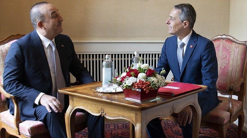 Le chef de la diplomatie suisse Ignazio Cassis, et son homologue turc Mevlüt Çavu?o?lu ont tous deux fait l'éloge des relations économiques solides entre les deux pays.