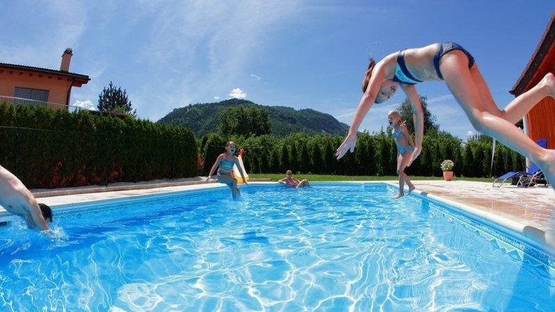 Zurich: un garçon de 8 ans se noie dans une piscine privée