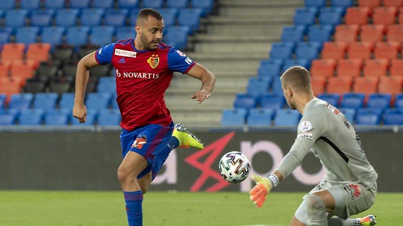 Cabras du FC Bâle a marqué le 2-0 d'un superbe geste technique.