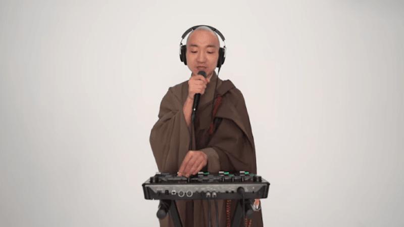 Japon: un moine allie beatboxing et chants sacrés pour gagner de l'argent