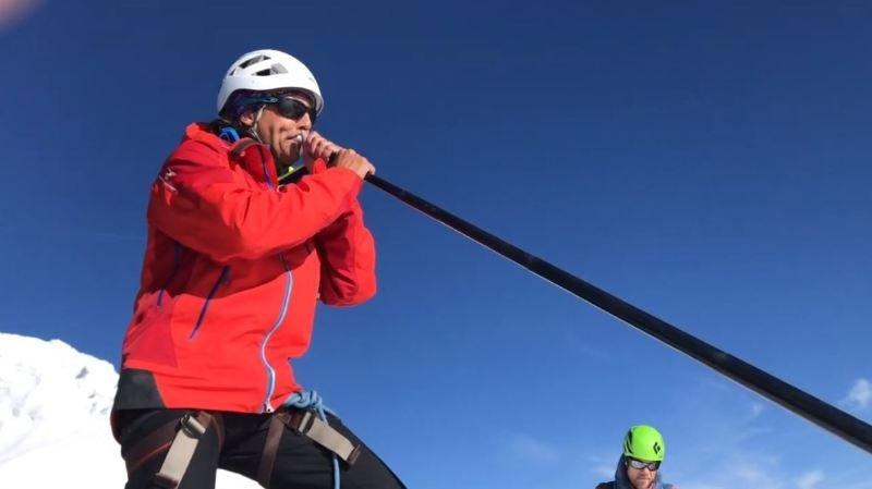 Insolite: il joue du cor des Alpes au sommet du Cervin