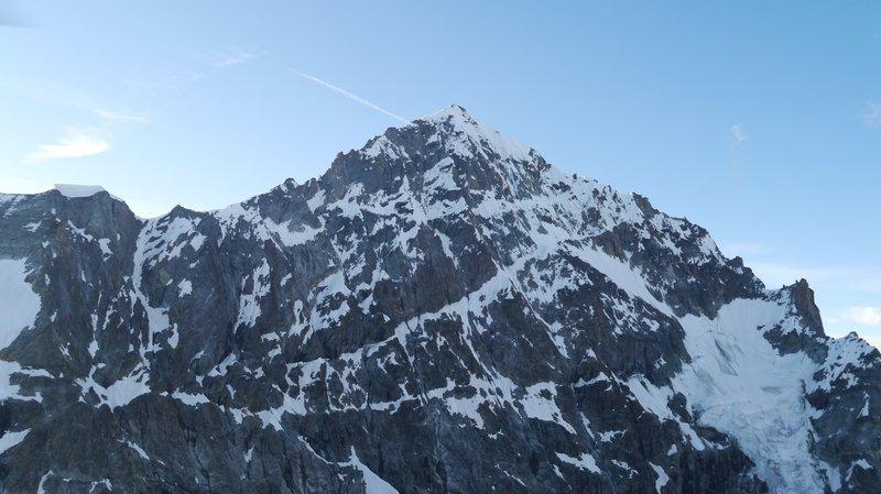 Un alpiniste allemand se tue à la Dent Blanche
